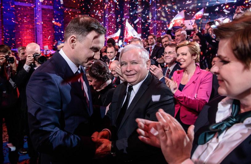Kandydat PiS na prezydenta RP, Andrzej Duda oraz prezes PiS Jarosław Kaczyński podczas konwencji wyborczej w Warszawie /Jakub Kamiński   /PAP