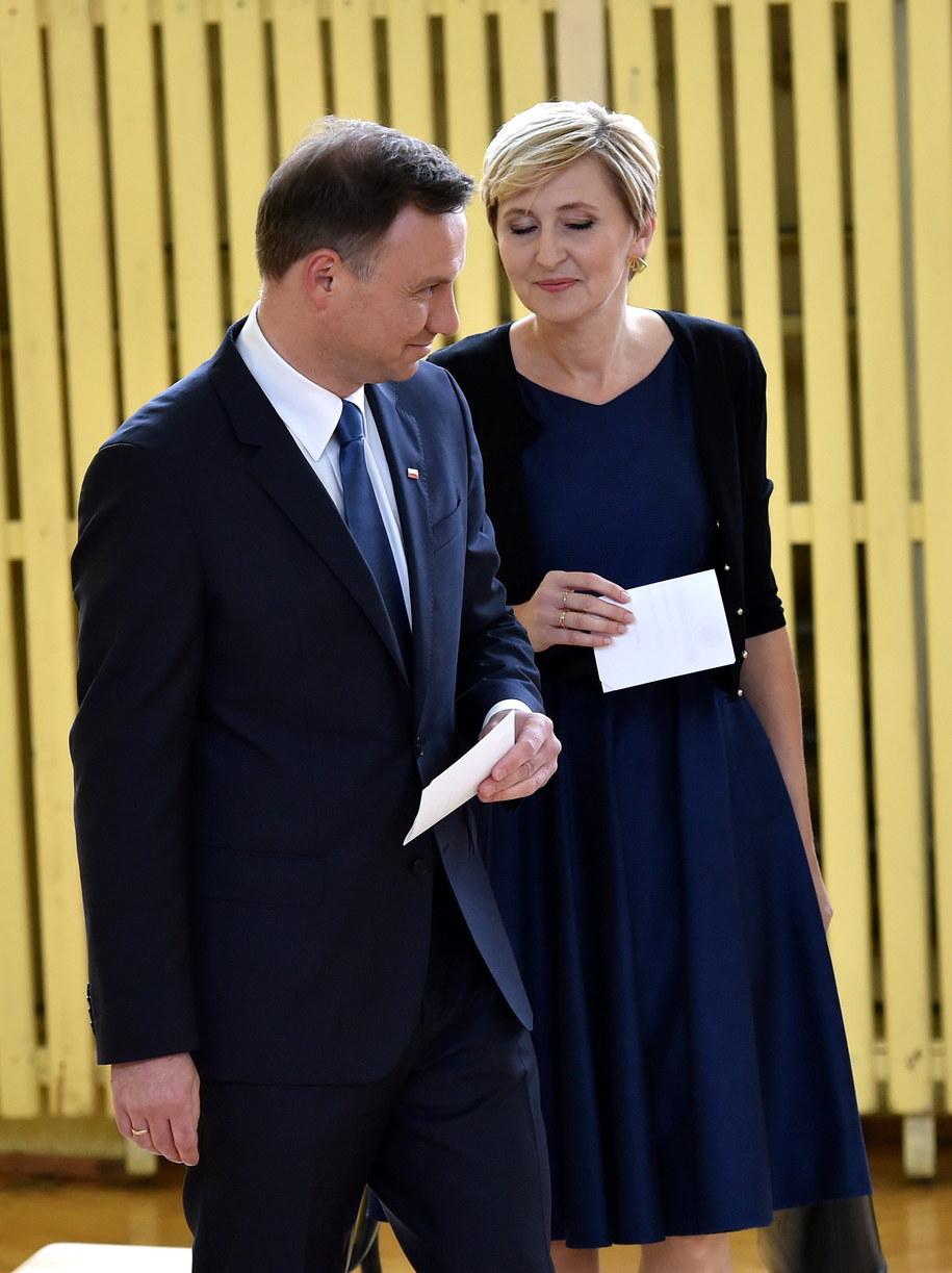 Kandydat PiS na prezydenta RP Andrzej Duda z żoną Agatą Kornhauser-Dudą /Jacek Bednarczyk /PAP