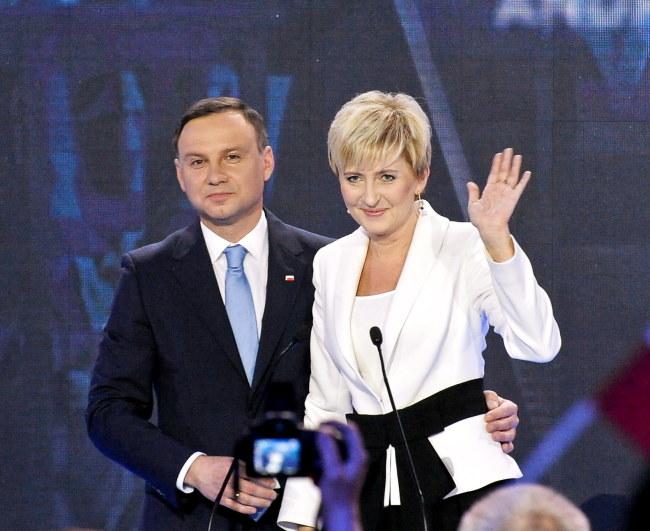 Kandydat Prawa i Sprawiedliwości na prezydenta RP Andrzej Duda z żoną Agatą Kornhauser-Dudą /Marcin Obara /PAP