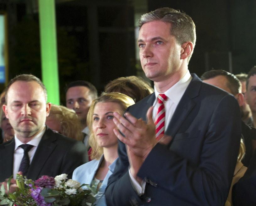 Kandydat PSL na prezydenta - Adam Jarubas z żoną Mariolą w swoim sztabie /Michał Walczak /PAP