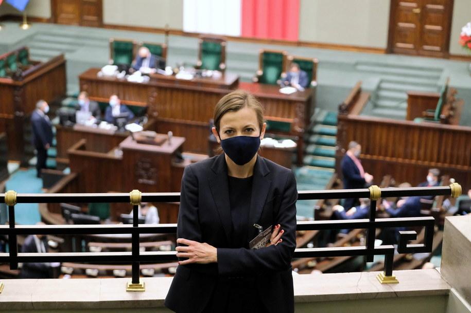 Kandydatka na stanowisko RPO Zuzanna Rudzińska-Bluszcz na sali obrad Sejmu /Mateusz Marek /PAP