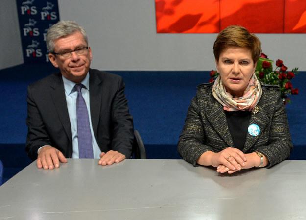 Kandydatka PiS na premiera Beata Szydło i szef sztabu PiS w kampanii wyborczej Stanisław Karczewski /Marcin Obara /PAP