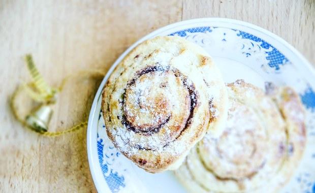 """Kanelbullar - ukręć sobie cynamonowe """"ślimaczki"""". Wstaw do piekarnika, zapachnie świętami"""