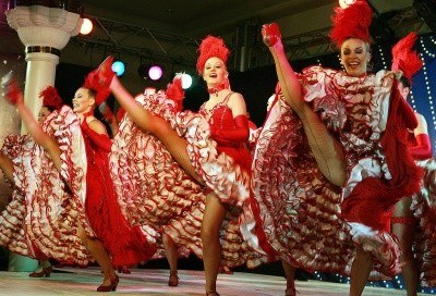 Kankan to taniec pełen ekstrawagancji /AFP