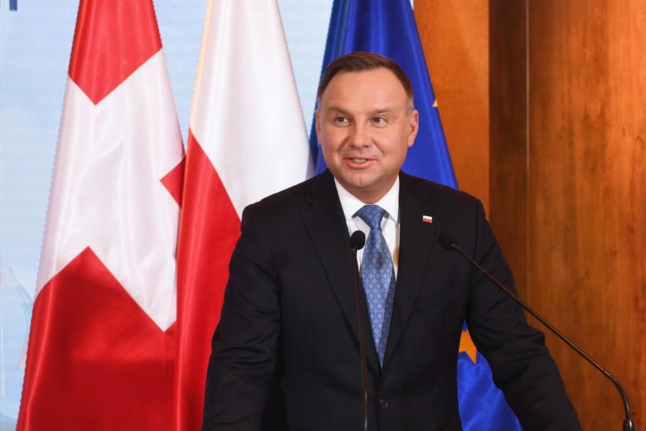 Kantar: 38 proc. poparcia dla A. Dudy, 20 proc. dla M. Kidawy-Błońskiej / Radek Pietruszka   /PAP