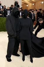Kanye West i Kim Kardashian szokują na Met Gali