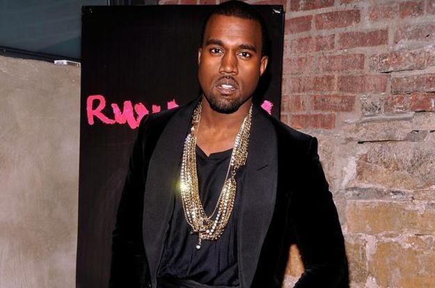 Kanye West twierdzi, że codziennie czyta kłamstwa na swój temat /AFP