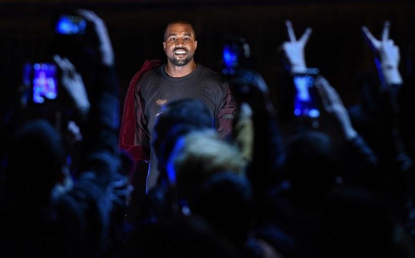 Kanye West w trakcie występu w Erywaniu /KAREN MINASYAN / AFP /East News