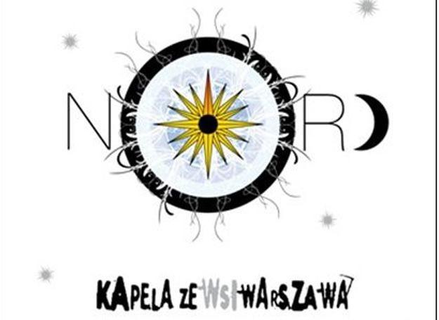 Kapela ze Wsi Warszawa patrzy na północ /