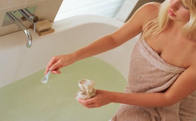 kąpiel w soli odwodnienie /© Photogenica