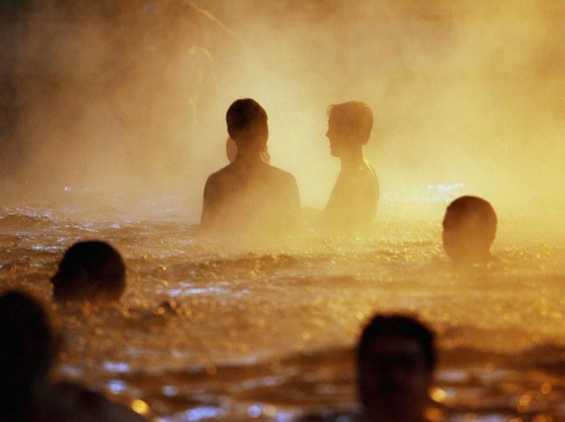 Kąpiele w wodach termalnych sprawią, że poczujemy się dużo młodziej  /Getty Images/Flash Press Media
