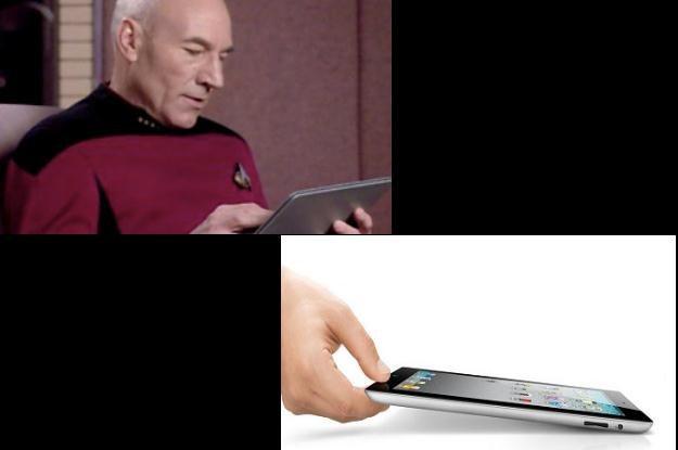 "Kapitan Jean-Luc Picard (""Star Trek: NG"") i jego tablet. Może to iPad, a może coś na Androidzie /INTERIA.PL"