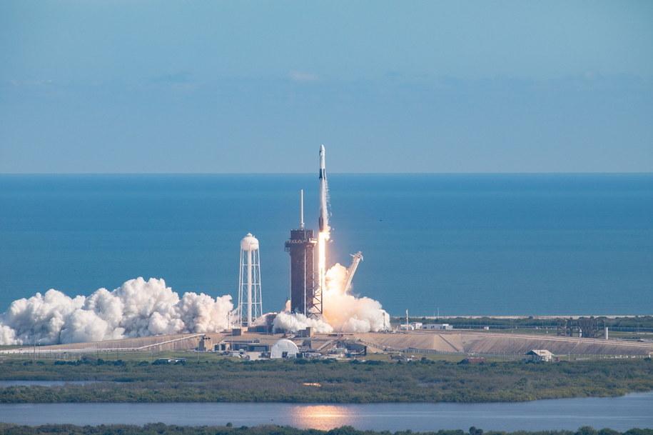 Kapsuła Dragon zmierza w zaopatrzeniowej misji w kierunku ISS /NASA/Kim Shiflett    /PAP/EPA