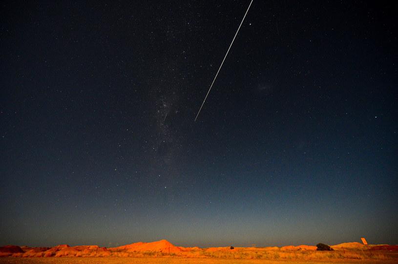 Kapsuła z próbkami asteroidy wylądowała na pustyni w Australii /Morgan Sette /AFP