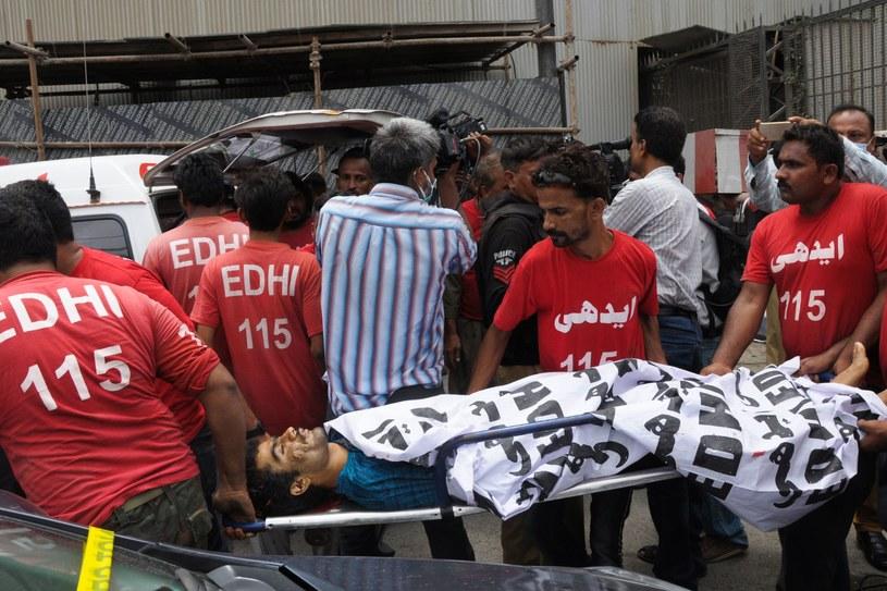 Karaczi dzisiaj po ataku na giełdę /AFP