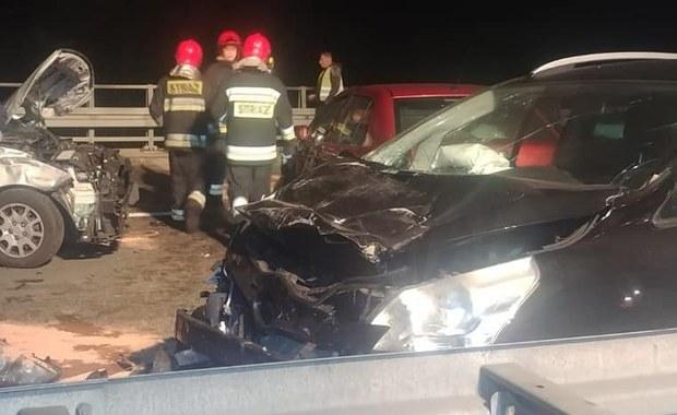 Karambol w Śląskiem. Jedna osoba nie żyje, wśród rannych 4 dzieci
