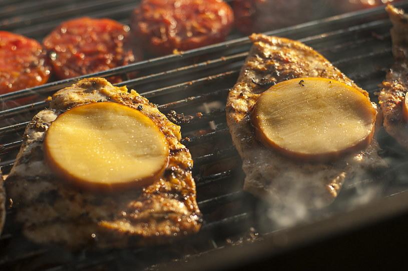Karczek grillowany z serem /Kawiks /INTERIA.PL/materiały prasowe