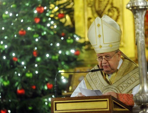 Kard. Dziwisz złożył życzenia Kościołowi i rządzącym /fot. M. Lasyk /Reporter