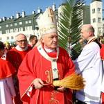 Kard. Nycz: Obok procesji z palmami są spotkania, gdzie padają złowrogie słowa