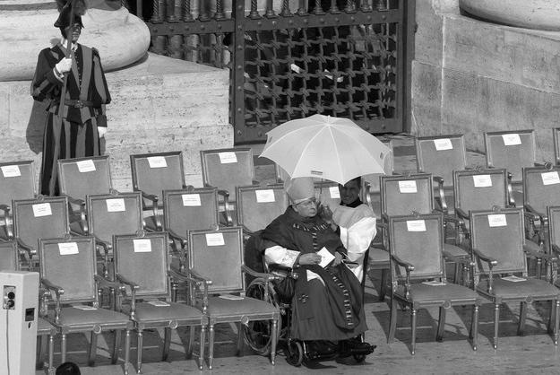 Kardynał Andrzej Maria Deskur na pogrzebie Jana Pawła II, fot. W. Laski /East News