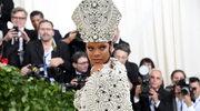 """Kardynał broni Rihanny. """"Nikt nie obraził Kościoła"""""""