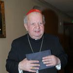 Kardynał Dziwisz na wakacjach. Tabloid publikuje zdjęcia