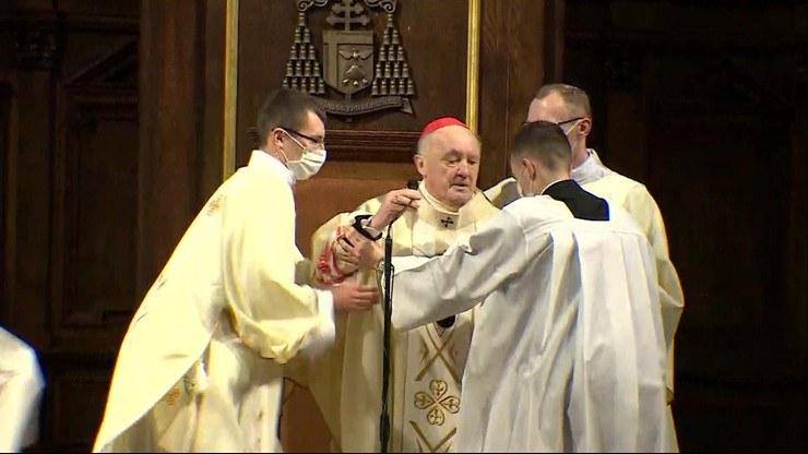 Kardynał Kazimierz Nycz zasłabł podczas mszy /Polsat News /Polsat News