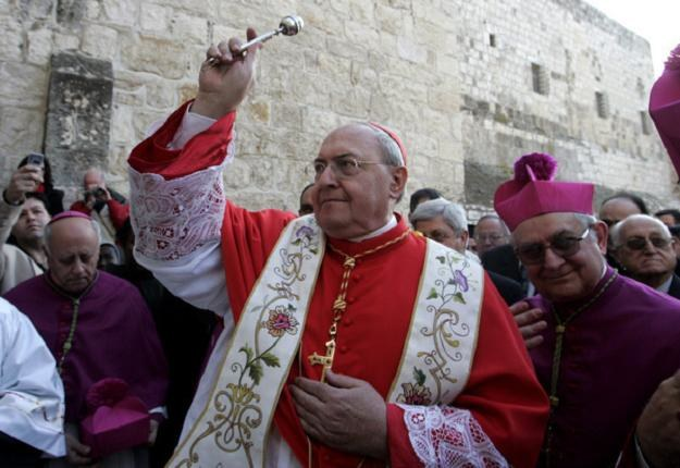 Kardynał Leonardo Sandri podczas wizyty w Betlejem /AFP