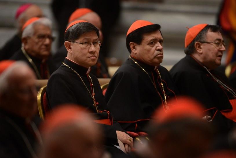 Kardynałowie Luis Antonio Tagle obok Norberto Rivera Carrera /Eric Vandeville /East News