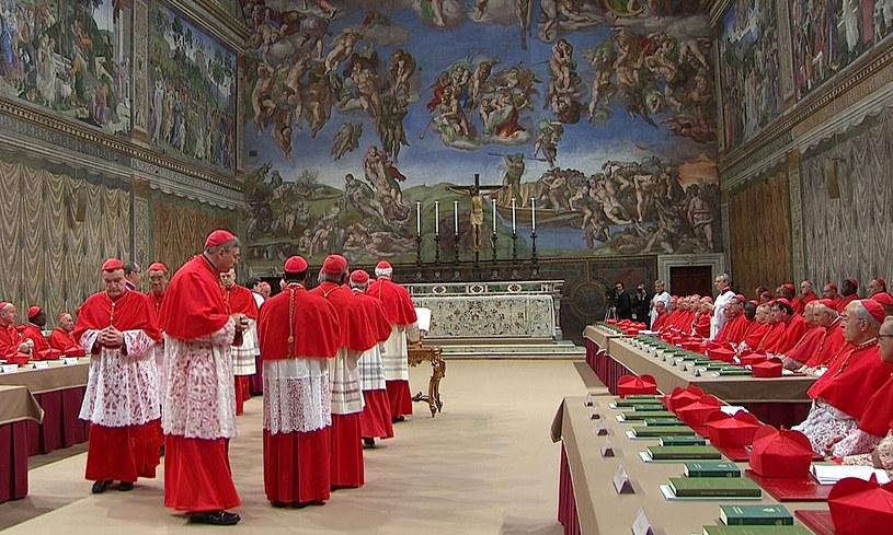 Kardynałowie w Kaplicy Sykstyńskiej /Agencja FORUM