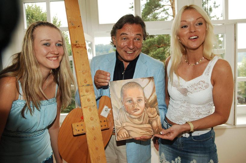 Karel Gott z córkami Lucią i Dominiką /brak /East News