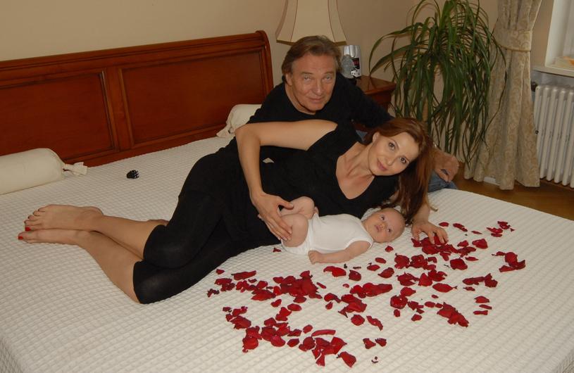 Karel Gott z żoną Ivaną i córkami /Peter Bischoff /Getty Images