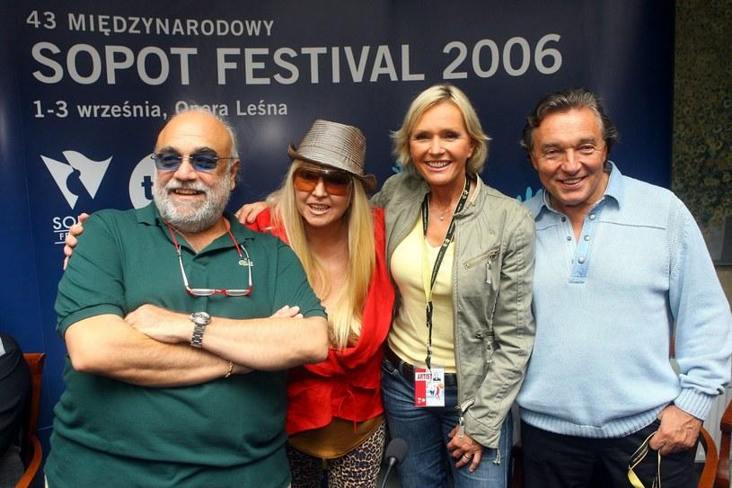 Karel z Demisem Roussosem, Marylą i Heleną /Piotr Fotek /Reporter