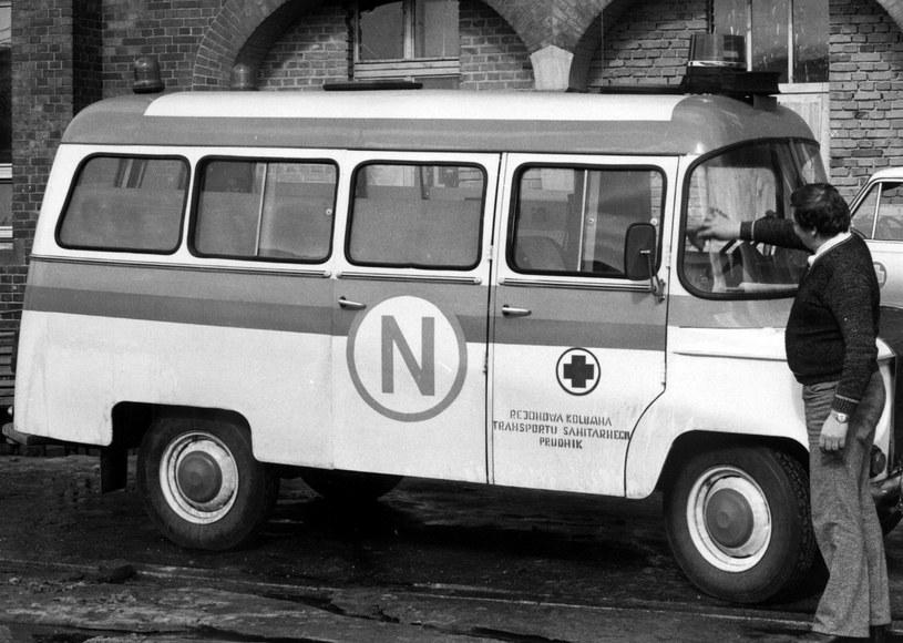 """Karetka """"N"""" z Prudnika na bazie nysy 522, lata 80 /Muzeum Ratownictwa w Krakowie"""