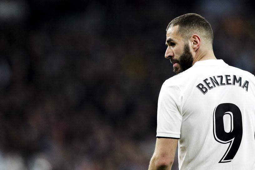 Karim Benzema ma więcej swobody na boisku, ale nie strzela tyle goli, ile strzelał Ronaldo /Getty Images
