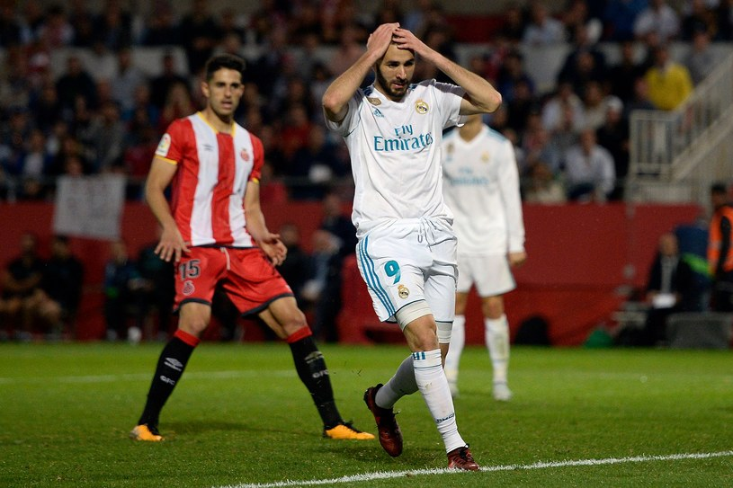 Karim Benzema nie może zrozumieć, jak Real przegrał z beniaminkiem /AFP
