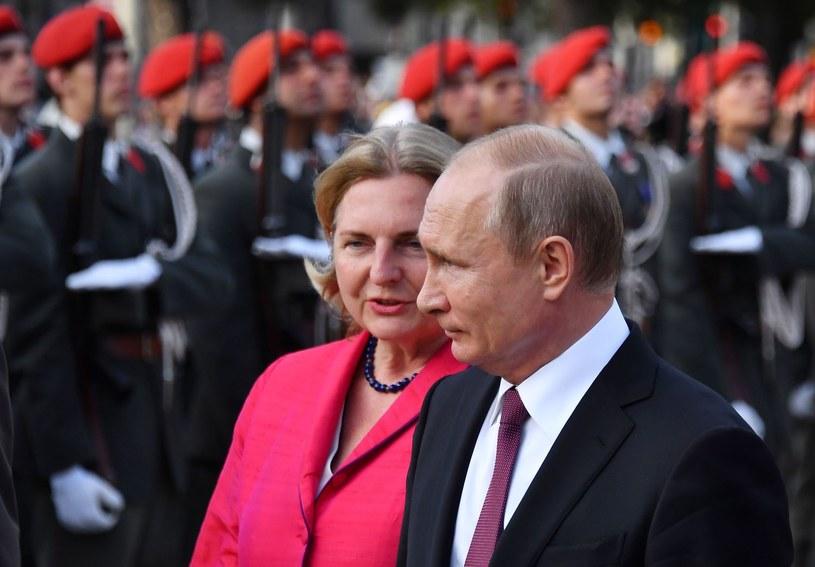 Karin Kneissl i Władimir Putin /JOE KLAMAR /AFP