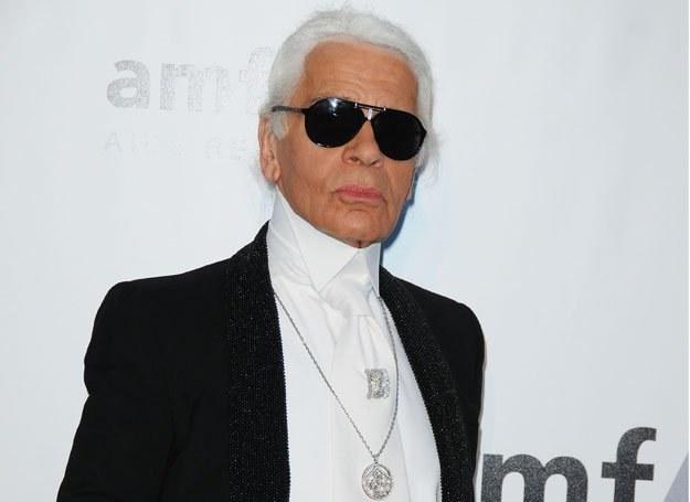 Karl Lagerfeld w nieodłącznych ciemnych okularach /Getty Images/Flash Press Media