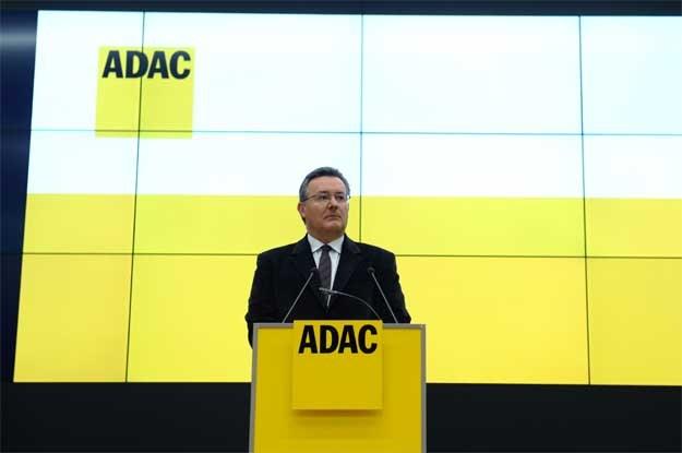 Karl Obermair przeprosił  za manipulację /AFP