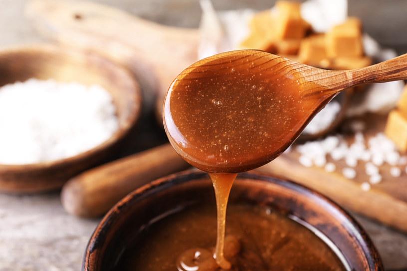 Karmel używany jest do fałszowania chleba /123RF/PICSEL