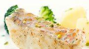 Karmelowa ryba zapiekana z brokułami