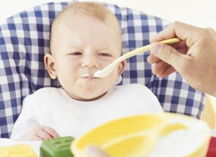 Karmienie dziecka łyżeczką wzmacnia mięśnie okrężne ust