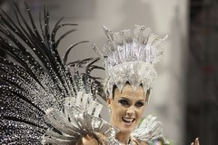Karnawał w Rio rozpoczęty, tysiące tancerzy bawi publiczność