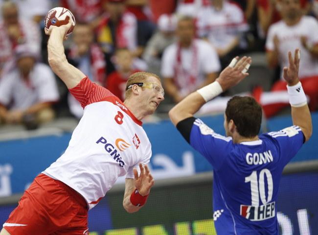 Karol Bielecki w meczu z Chorwacją /Fahim Demir /PAP/EPA