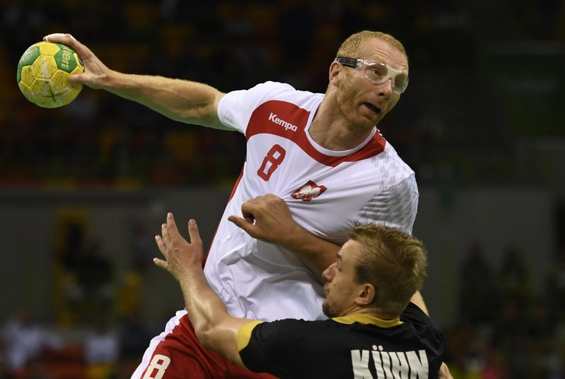 Karol Bielecki w meczu z Niemcami o brąz IO w Rio /PAP/EPA