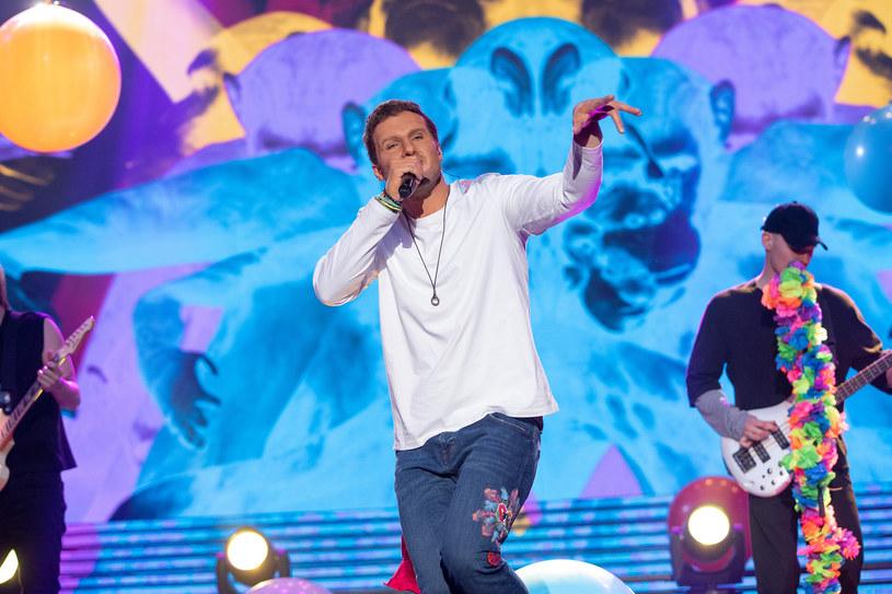 Karol Dziuba jako Ricky Martin, Fot. M. Zawada /Polsat
