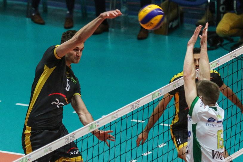 Karol Kłos (z lewej) /Dominik Gajda /PAP