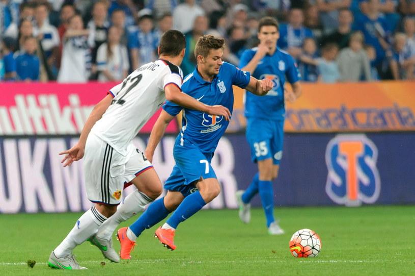 Karol Linetty w meczu z FC Basel /Fot. Jakub Kaczmarczyk /PAP