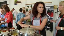 Karol Okrasa: Polacy jedzą za mało warzyw. Powinni częściej przygotowywać je na parze