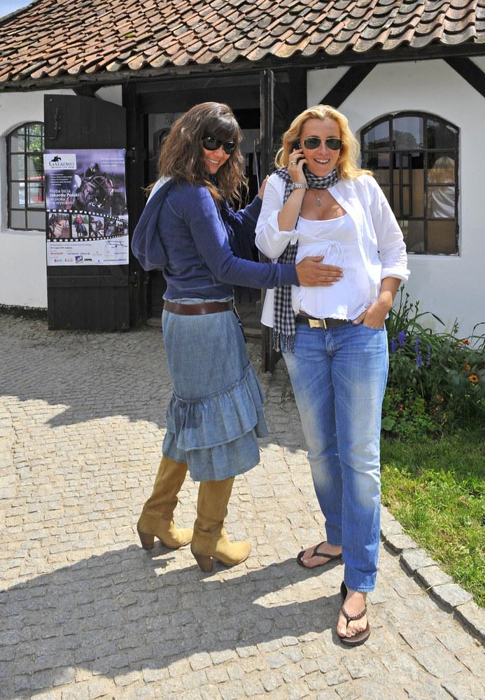 Karolina Ferenstein ze swoją przyjaciółką Kingą /AKPA